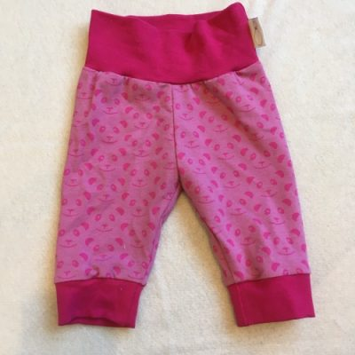 Knalroze babybroekje met roze pandagezichten
